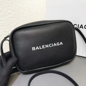 BALENCIAGA EVERYDAY CAMERA BAG<br>발렌시아가 에브리데이 카메라백