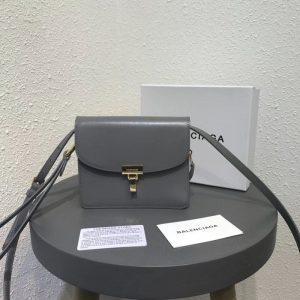 BALENCIAGA LEATHER BOX CROSS BAG<br>발렌시아가 레더 박스 크로스 백