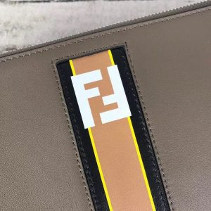 FENDI LOGO CLUTCH BAG<br>펜디 로고 클러치백<br>[29x19cm]