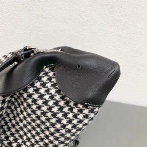 LOEWE BUNNY MINI BAG<br>로에베 버니 미니백<br>[18×16.5x13cm]