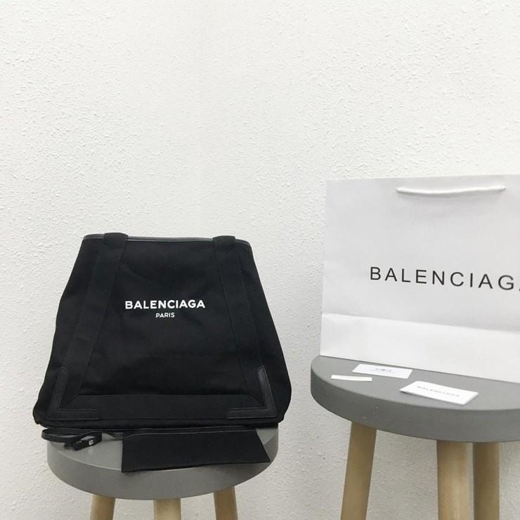 BALENCIAGA NAVYS CABAS BAG <br>발렌시아가 네이비 카바스 백