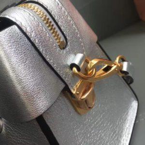 MIUMIU CROSSBODY LEATHER SHOULDER BAG<br>미우미우 크로스바디 레더 숄더 백<br>[26x18x13cm]