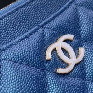 CHANEL CLASSIC FLAP WALLET<br>샤넬 클래식 플랩 지갑<br><i>17cm 이태리 캐비어소가죽</i>
