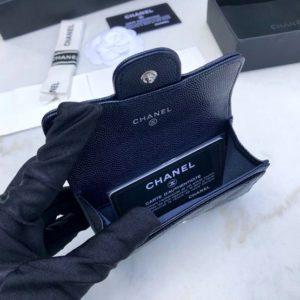CHANEL CLASSIC FLAP WALLET<br>샤넬 클래식 플랩 지갑<br><i>11.5×10.5x2cm 이태리 캐비어소가죽</i>