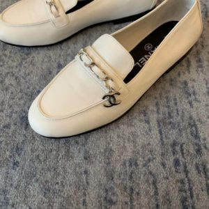 CHANEL LEATHER LOAFER<br>샤넬 레더 로퍼<br><i>35-40 SIZE 이태리소가죽</i>