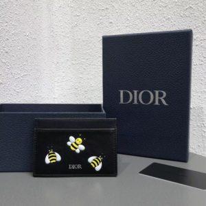 CHRISTIAN DIOR X KAWS CARD HOLDER<br>크리스찬 디올 x 카우스 카드 홀더<br><i>10x7cm</i>