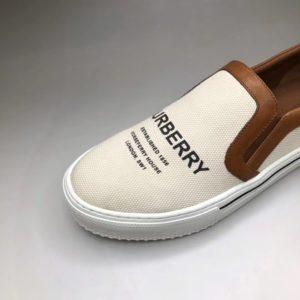 BURBERRY LOGO PRINT SLIP ON SNEAKERS 버버리 로고 프린트 슬립온 스니커즈