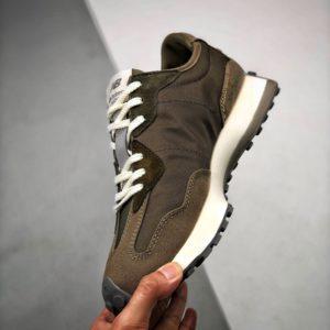 New Balance 327 X MADNESS Sneakers 뉴발란스 327 X 매드니스 스니커즈