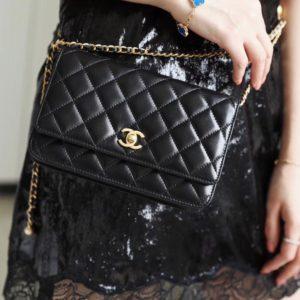 [CHANEL] 클래식 월렛 온 체인백 WOC 크로스백 블랙 금장 Chanel Classic Wallet on Chain Gold tone metal black AP0250