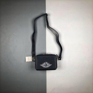 [DIOR x NIKE] 디올 x 에어 조던 메신저백 네이비 Dior x Jordan Wings Messenger Bag Navy