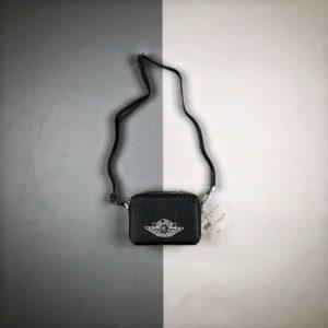 [DIOR x NIKE] 디올 x 에어 조던 메신저백 블랙 Dior x Jordan Wings Messenger Bag Black