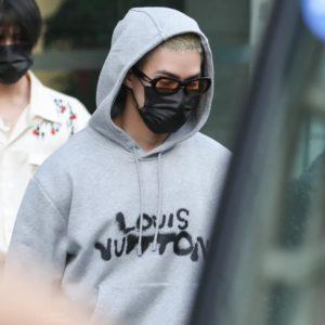 [Louis Vuitton] 루이비통 21FW 네온 캐릭터 프린트 후드 스웻셔츠