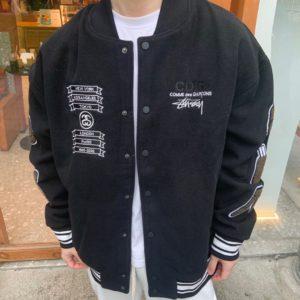 [Stussy x CDG] 스투시 x 꼼데가르송 21Fw 40th Anniversary Logo Embroidered Baseball Jacket Vibe Style Mandatory Armband Embroidered Jacket 남녀공용